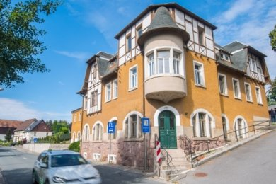 """Wenn ausreichend Geld nach Jahnsdorf fließt, steht auch die Sanierung des Gebäudes """"Zur Post"""" auf der Liste."""