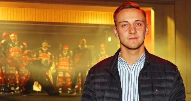 Max Zerrenner ist durch und durch Eishockey-Fan.