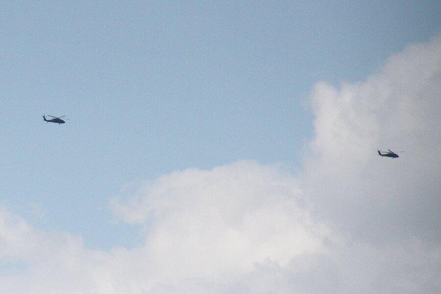 Diese Blackhawks flogen am Dienstag Richtung Osten.