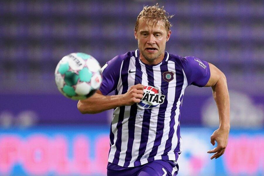 Den Ball und das Ziel vor Augen: Aues Erfolgsgarant Jan Hochscheidt.