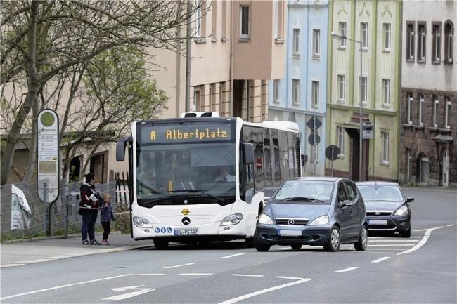 Zivilcourage endete für einen Busfahrer in Plauen im Krankenhaus. Das Foto entstand an einer anderen Haltestelle in der Stadt.