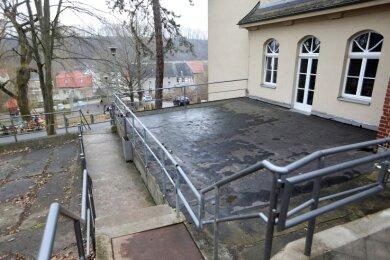 An der Grundschule in Remse soll auf dem alten Kohlenbunker eine Terrasse zum Lernen an der frischen Luft gebaut werden.