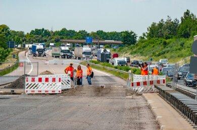 Offene Gruben werden bis August betoniert und asphaltiert.