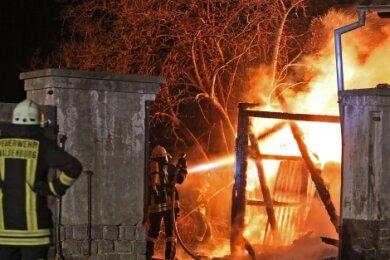 In Waldenburg war es am Silvesterabend zu einem Großbrand in einem Dreiseithof gekommen.