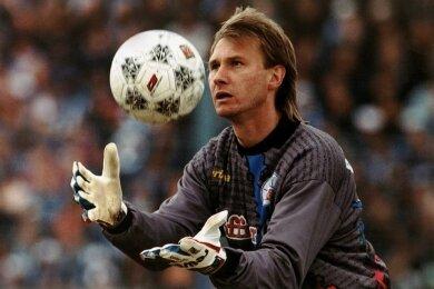 Torwart Perry Bräutigam in der Bundesligasaison 1995/1996 im Rostocker Trikot.