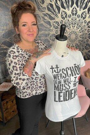Sie ist Fachfrau für Hautmalerei: Theres Selbert in ihrem neuen Tattoostudio.