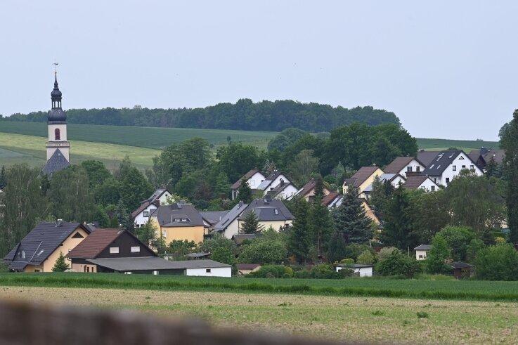 In dem kleinen Dorf Niederfrohna fragen sich etliche Einwohner, was mit Uwe A. passiert sein könnte. Er wird seit 20. Mai vermisst.