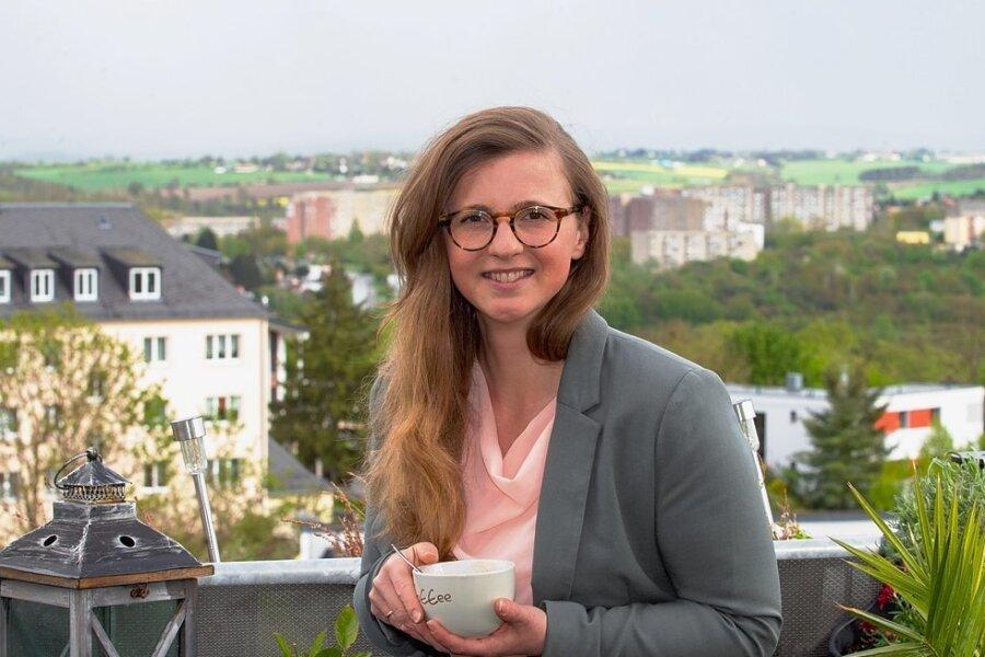 """Der Lieblingsort von Silvia Queck-Hänel in Plauen ist eine Dachterrasse bei Freunden in einem Haus an der Jößnitzer Straße: """"Es ist ein Blick auf diese Stadt, die ich mein Zuhause nenne"""", sagt sie."""