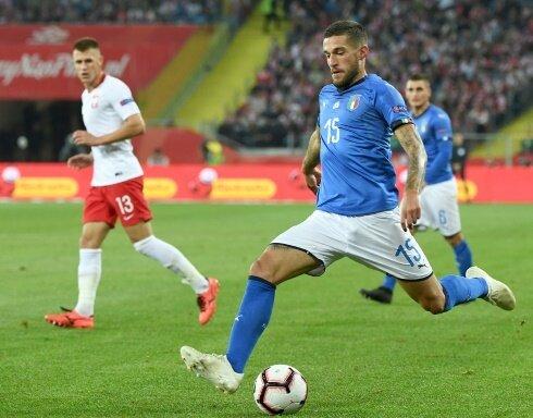 Cristiano Biraghi (vorne) beschert Italien das späte 1:0