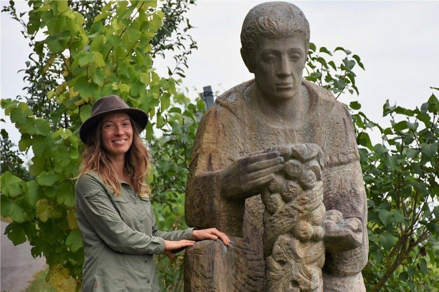 Der Abt und die Rangerin: Alberich Degen brachte den Silvaner nach Franken, Katja Winter soll Touristen hierher locken.