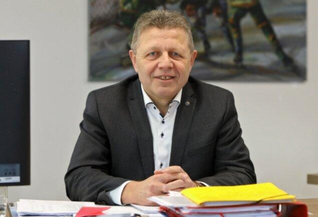 Der Vorstandschef des ETC Crimmitschau ist mit überwältigender Mehrheit zum Westsachsen des Jahres gewählt worden. Dabei hat er gerade einen persönlichen Schicksalsschlag zur verdauen.