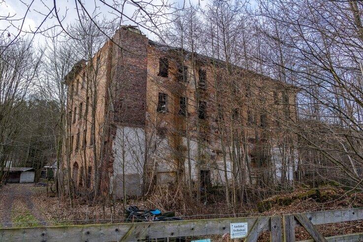 Der Zahn der Zeit hat mittlerweile stark an der ehemaligen Kammgarnspinnerei genagt.