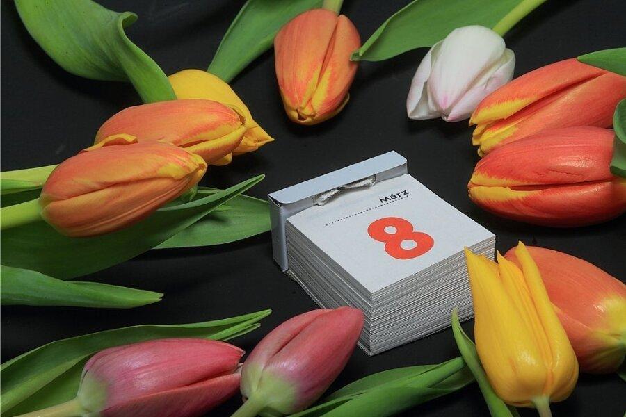Am 8. März werden vielerorts Blumen an Frauen verschenkt. Die Sichtweisen zur aktuellen Bedeutung des Internationalen Frauentages sind über die Generationen hinweg verschieden.