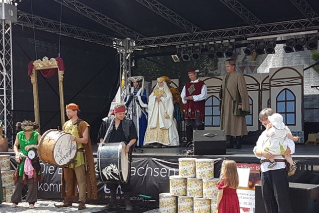 Luitgard von Ravenstein und Hedwig von Ballenstedt eröffneten den Fürstentag am Samstag.