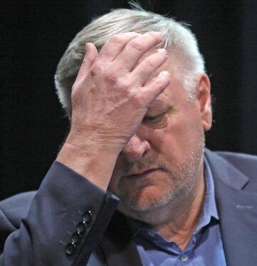 """""""Wir sind sehr verbittert"""", sprach Intendant Roland May am Dienstag vielen Kollegen aus dem Herzen."""
