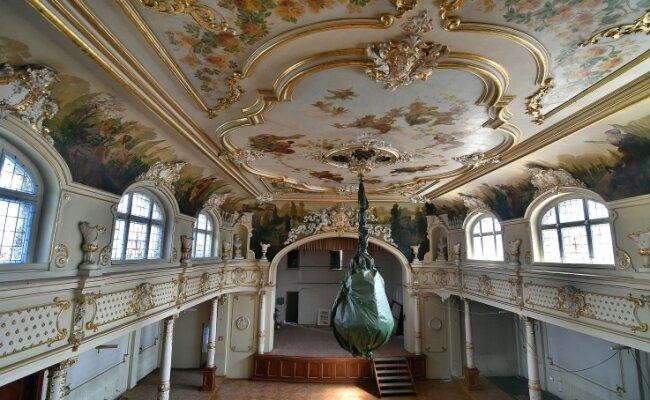 Kronleuchter Für Saal ~ Neuer glanz für mittelsachsens schönsten ballsaal freie