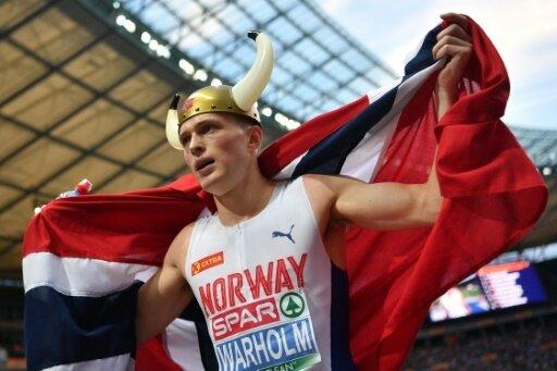 Weltmeister Karsten Warholm feiert seinen EM-Titel