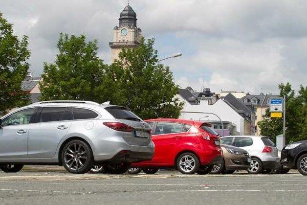 An Samstagen sollen auf dem Plauener Neustadtplatz bis Jahresende die Parkgebühren wegfallen.