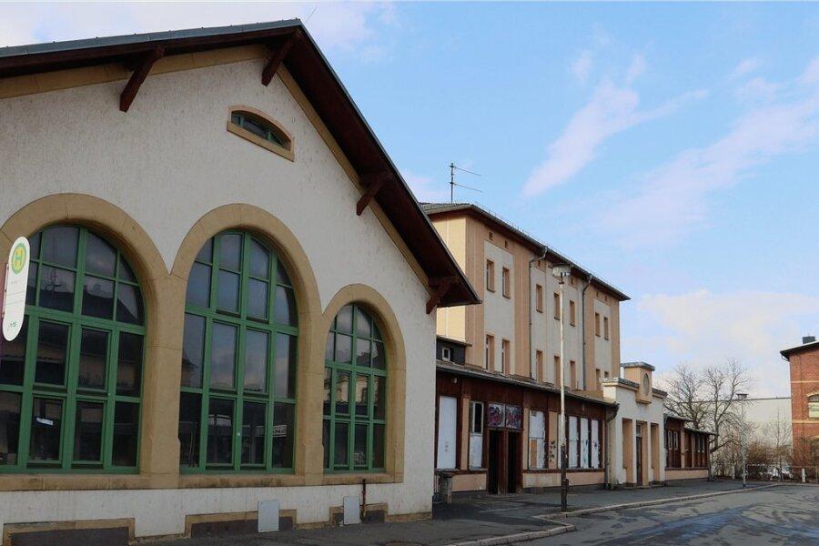 Am Werdauer Bahnhof sind zwei Personen ausgeraubt worden.