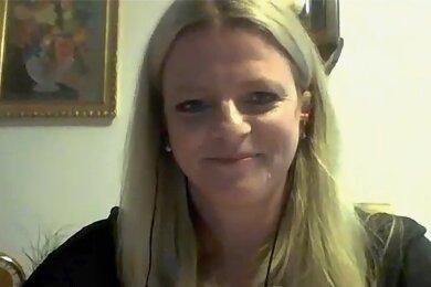 """Susanne Schaper tritt für die Partei Die Linke zur Oberbürgermeister-Wahl am 20. September an. Im Video-Interview mit der """"Freien Presse"""" äußerte sie sich unter anderem zu ihren wichtigsten Vorhaben und dazu, wo die Stadt Geld sparen könnte."""