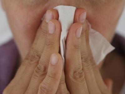 Oft ist es nur eine Erkältung. Aber auch die Zahl der nachgewiesenen Grippefälle nimmt stetig zu.