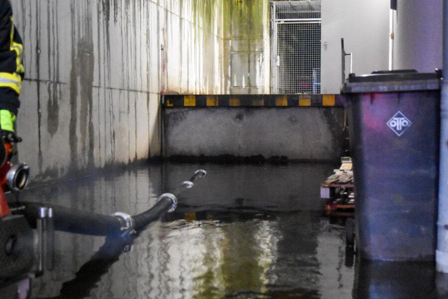 Tauwetter sorgt für Überflutung in Niederdorf