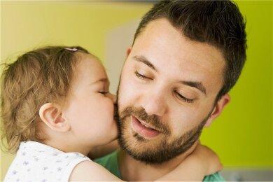 Mein Papa bekommt ein Küsschen!