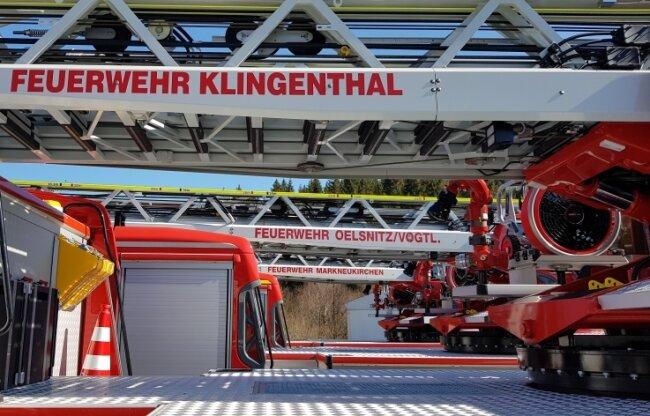 Die jeweils 670.000 Euro teuren Fahrzeuge sind in Fahrgestell und Aufbau identisch.