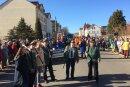 Rund 650 Teilnehmer und mehr als 30 Schaubilder auf 20 Fahrzeuge haben am Faschingsumzug in Penig teilgenommen.