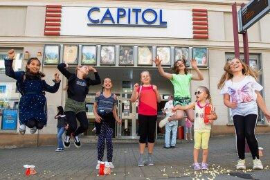 Endlich wieder Popcorn und Spannung: Mehr als ein Dreivierteljahr lang hatte das Kino Capitol an der Bahnhofstraße coronabedingt geschlossen bleiben müssen. Die Betreiber sind erfreut über die rege Rückkehr der Zuschauer.