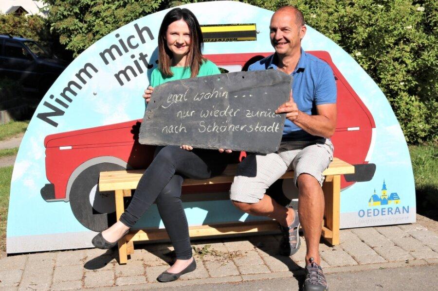 In Schönerstadt haben beim letzten Mal Ortsvorsteher Uwe Klöden (rechts) und dessen Stellvertreterin Susan Leithoff für den Fototermin Platz genommen.