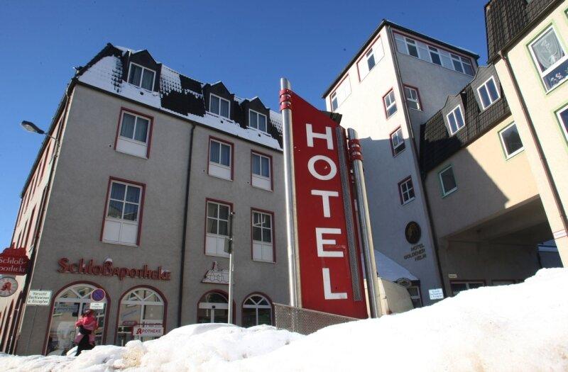 """<p class=""""artikelinhalt"""">Das Hotel """"Goldener Helm"""" führt seit Jahren ein Schattendasein.</p>"""