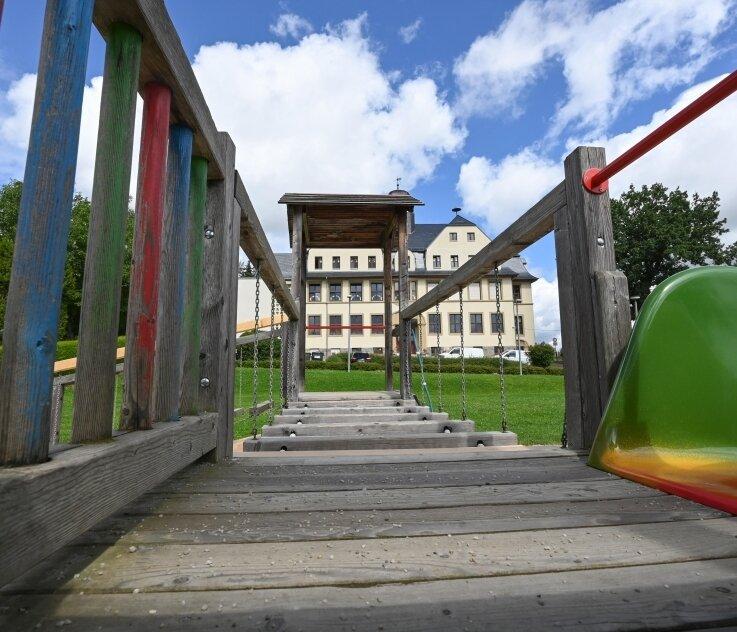 Wieder war die Sanierung des Spielplatzes in Köthensdorf ein Thema im Gemeinderat. Sollten Fördermittel fließen, könnte die Erneuerung nun im nächsten Jahr in Angriff genommen werden.