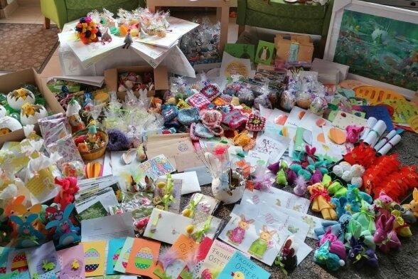 Zu Ostern sind kürzlich wieder Hunderte liebe Grüße kreiert und verschickt worden - um Senioren ein Lächeln zu schenken.