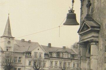 1952 wurden die Glocken in den Turm gezogen.
