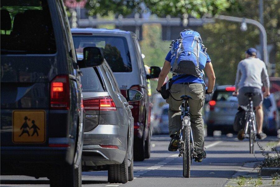 Mehr Radverkehr braucht auch mehr Platz. Das schmeckt vielen Autofahrern gar nicht - sie fühlen sich ausgebremst.