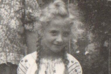 Gertraude Hurnik, die als Kind Gertraude Schürmann hieß.