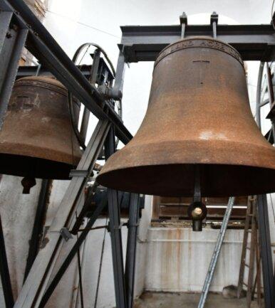 Die Tage der schweigenden Hartgussglocken im Turm der Kirche von Frauenstein sind gezählt.