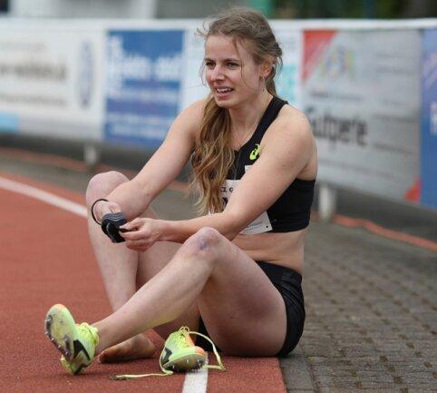 Erneut Silber im Gepäck: Anne Weigold, hier bei der Kurpfalz-Gala in Weinheim, bestätigte bei der Deutschen Meisterschaft in Braunschweig ihre gute Form über 100 Meter Hürden. Mit diesem Erfolg enden für die Sportlerin der LG Mittweida intensive Wochen auf der Bahn.