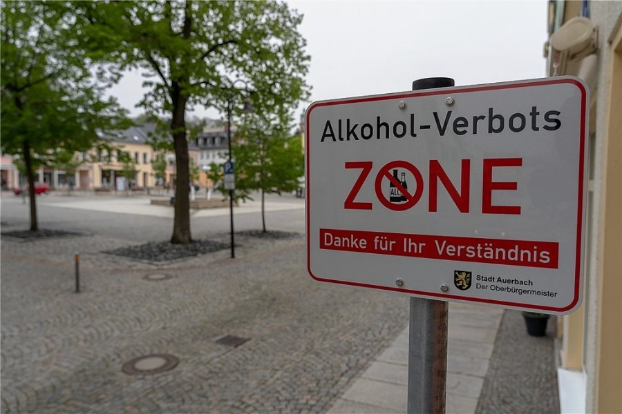 Rund um den Auerbacher Neumarkt gilt bisher ein Alkoholkonsumverbot. Eine solche Zone befindet sich auch in der Plauener Innenstadt rund um den Tunnel.