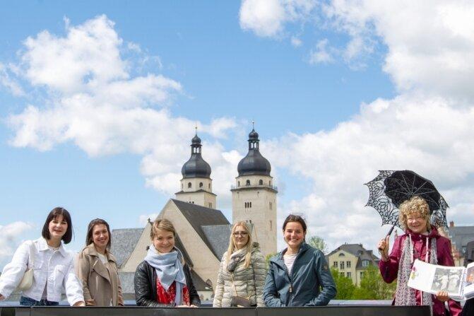 Spitzenprinzessinnen entdecken Plauens Textilgeschichte