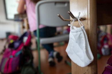 Alle Kinder in Sachsen dürfen seit Montag wieder Kitas und Grundschulen besuchen.