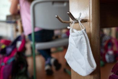 Die Landesregierung arbeitet derzeit an einer Notbetreuung für Kinder bestimmter Berufsgruppen.