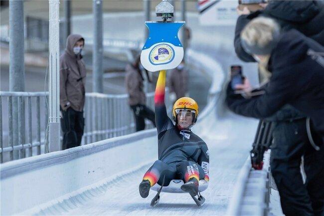 Zwei nationale Meistertitel heimste Natalie Geisenberger bei ihrem Wettkampfcomeback am vergangenen Wochenende in Königssee ein. Sohn Leo wurde am 2. Mai geboren.
