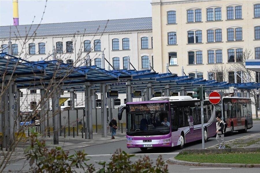 Die Debatte um eine Verlegung des Busbahnhofs reißt nicht ab.