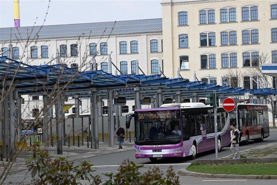 Schüler sparen mit neuem Bildungsticket bei Bus und Bahn