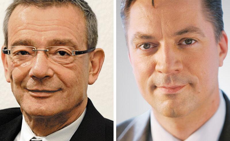 """Johannes Schulze (l.) wurde am Dienstagabend in den Ruhestand verabschiedet. Er übergab das """"Zepter"""" der größten ostdeutschen regionalen Tageszeitung an Ulrich Lingnau."""