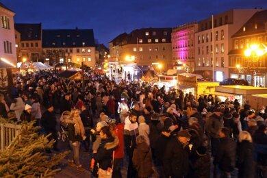 Altmarkt Hohenstein-Ernstthal 2019: Solche Bilder wird es dieses Jahr nicht geben, auch wenn der Weihnachtsmarkt stattfindet.