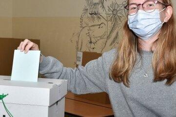 Jeannette Pfeiffer gehörte zu den Schülern, die am Freitagmittag in Markneukirchen ihre Stimme abgaben.