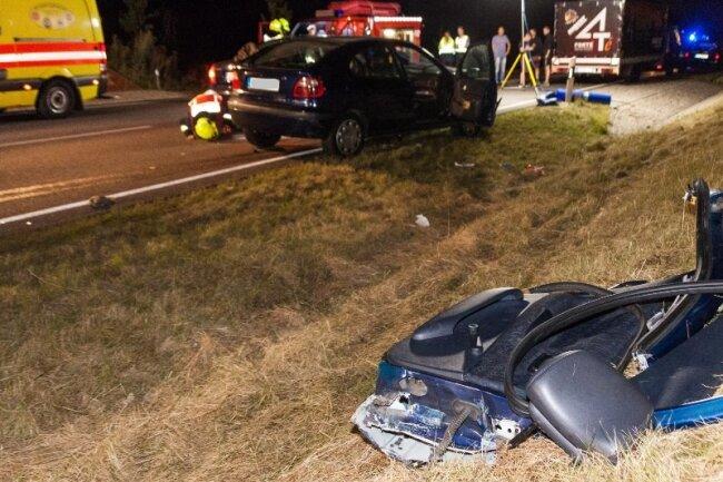 Schwerer Unfall mit einer nach ersten Informationen eingeklemmten Person in Reinsdorf.